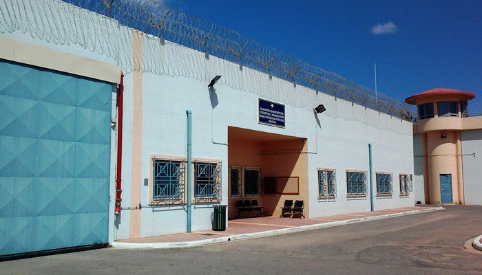 9cc7e3a7fd5 ΒΙΝΤΕΟ: Απετράπη απόδραση βαρυποινίτη από φυλακές των Χανίων - ΝΕΑ ...